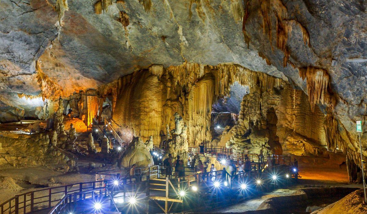 Hút hồn với những điểm du lịch lý tưởng tại Quảng Bình và Quảng Trị