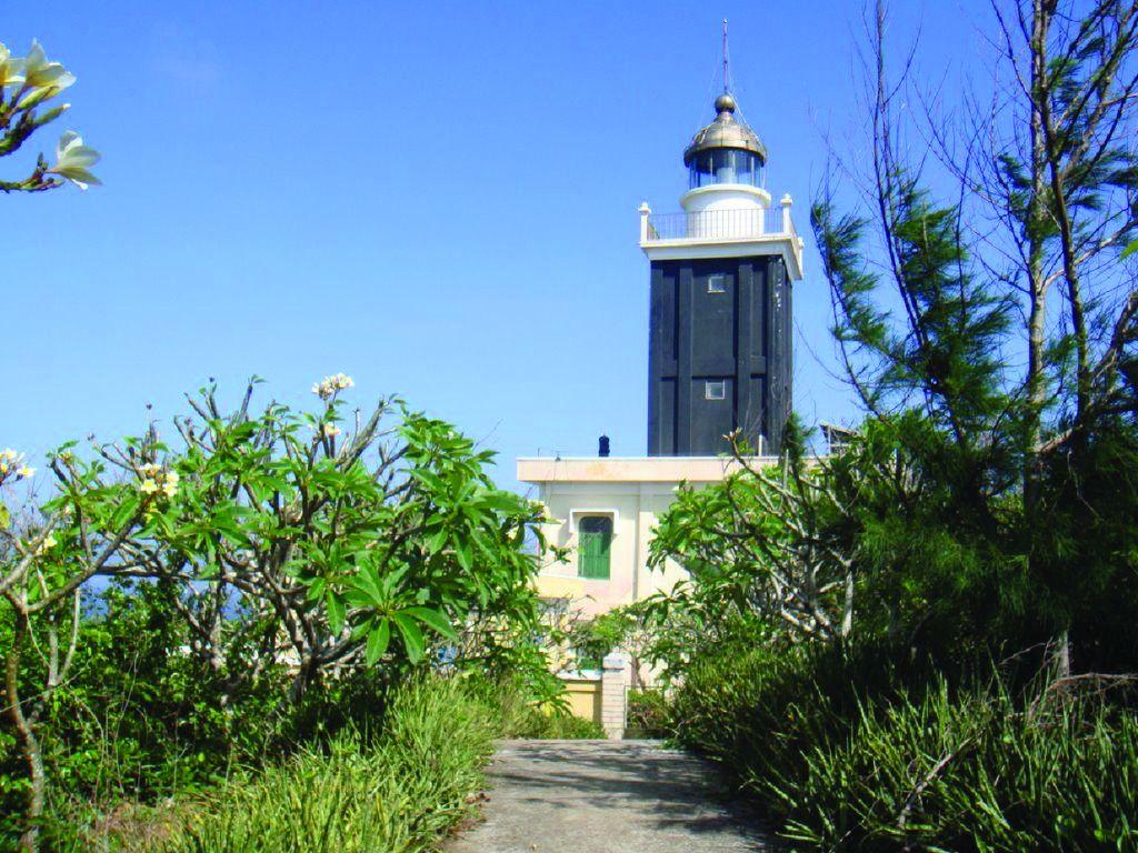 ngọn-hải-đăng-Phú-Quý-1024x768