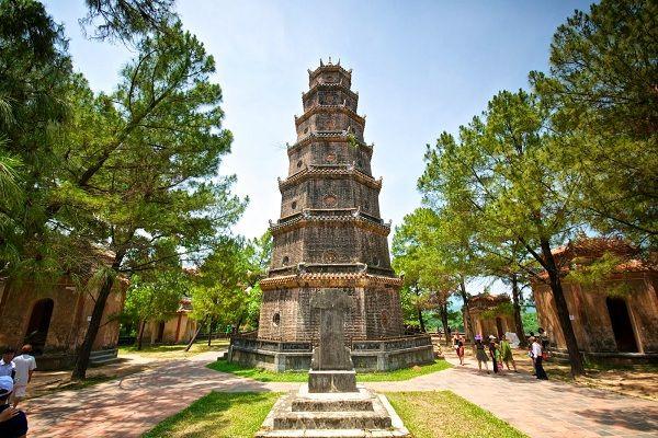 Đến Huế nhất định phải ghé thăm ngôi chùa cổ linh thiêng nhất cố đô