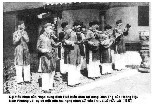 i-tiểu-nhạc-tấu-cho-hoàng-hậu-Nam-Phương-năm-1973