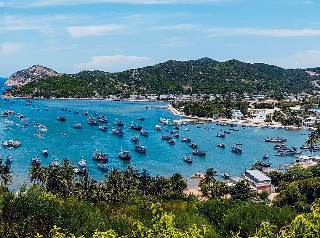 4 điều thú vị ở vịnh Vĩnh Hy - một trong những vịnh biển đẹp nhất Việt Nam