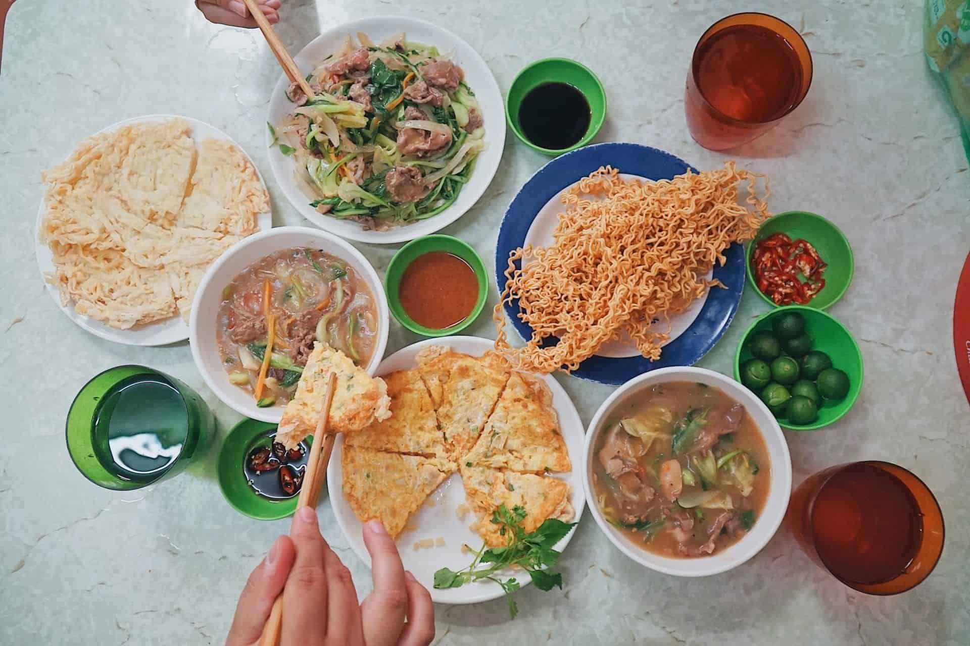 Điểm danh 6 địa điểm ăn uống hút khách nườm nượp ở phố cổ Hà Nội