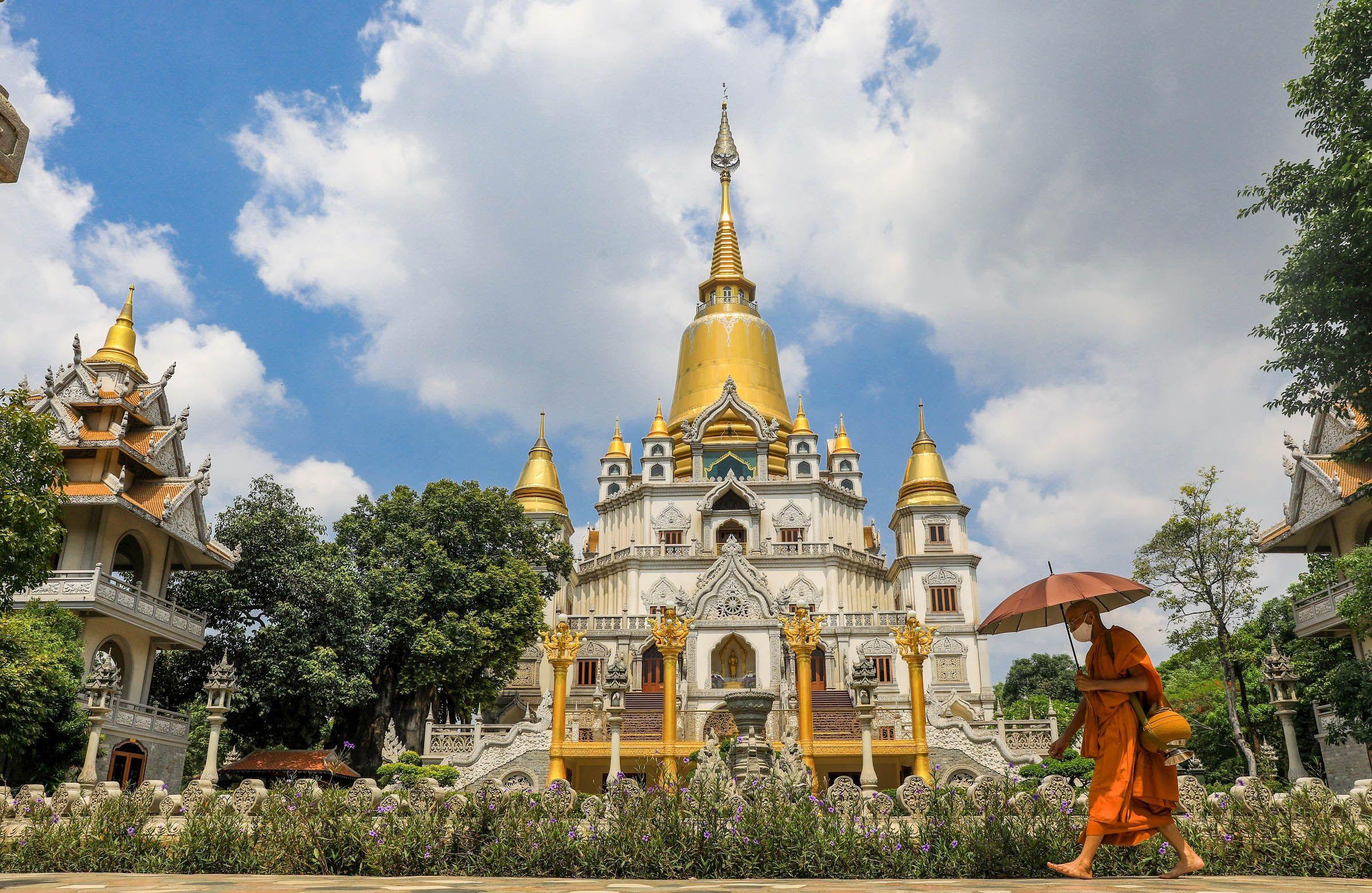 Thăm ngôi chùa thuộc top đẹp nhất thế giới ngay ở Sài Gòn