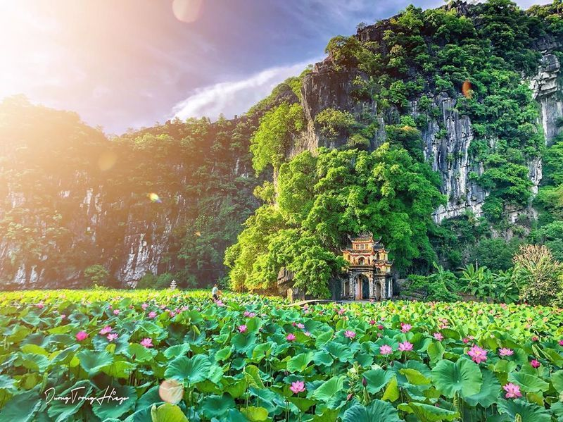 Experiences in discovering the majestic beauty of Tam Coc - Bich Dong