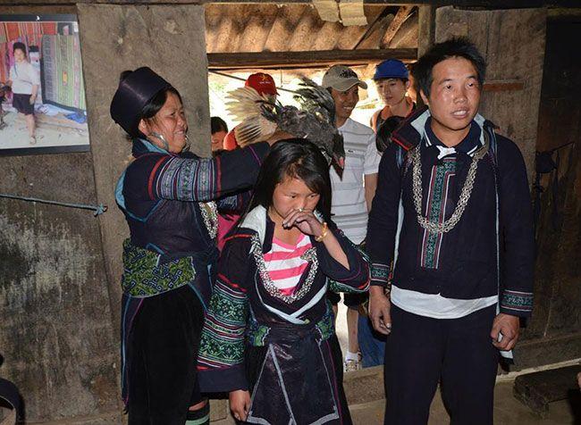 tuc-bat-vo-va-cuoi-hoi-cua-nguo-hmong-4