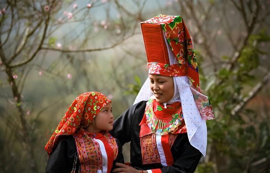 Hàng loạt trang phục truyền thống độc đáo của người Dao ở Việt Nam