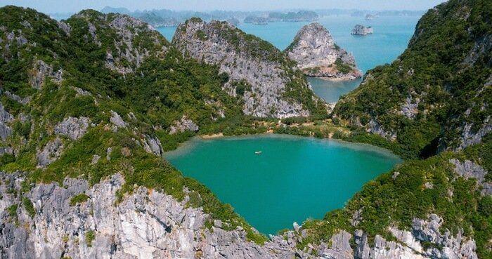 Trải nghiệm một ngày tách biệt với thế giới trên đảo Mắt Rồng  hoang sơ mà đẹp mê hồn