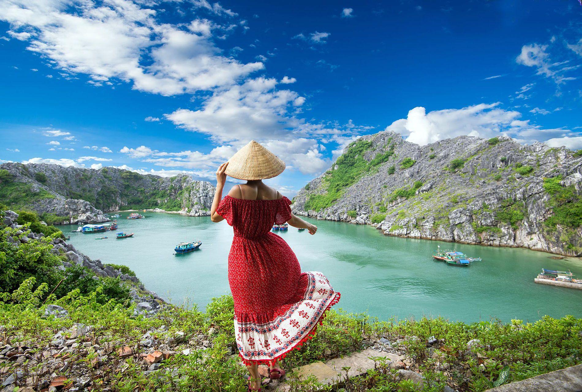 Trải nghiệm đảo Cát Bà hoang sơ, đẹp thơ mộng ở Hải Phòng