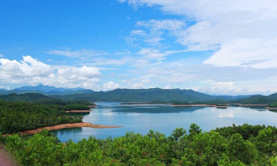 Say lòng trước bức tranh sơn thủy hữu tình tại hồ Phú Ninh ở Quảng Nam