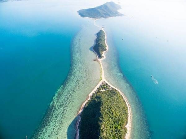 Three wild beautiful islands in Khanh Hoa attracting countless tourists