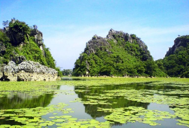 Khám phá vẻ đẹp nguyên sơ của Hồ Quan Sơn tại Hà Nội