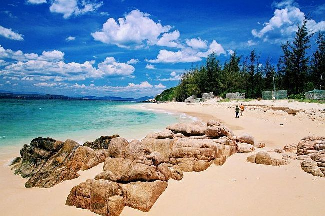 """Four beautiful pristine islands in Phu Yen that can """"steal your heart"""""""