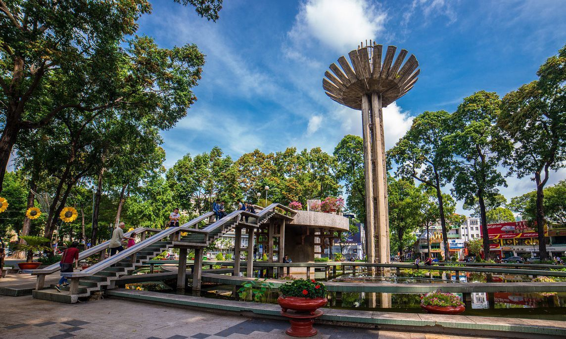 Interesting anecdotes about the Turtle Lake in the heart of Saigon