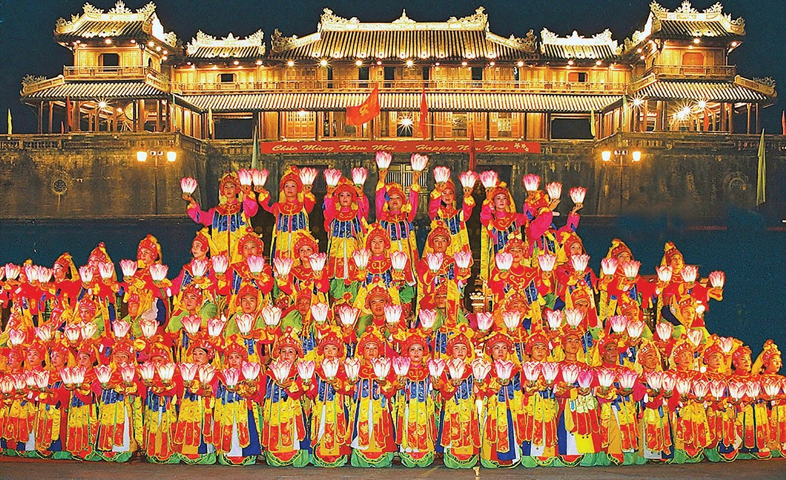 Enjoying Hue royal court music - the world's intangible cultural heritage