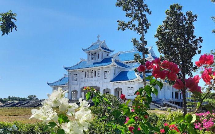 Thánh địa La Vang - một trong bốn vương cung  thánh đường ấn tượng ở Việt Nam