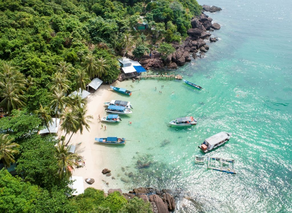 Six famous tourist destinations in the South of Phu Quoc Island