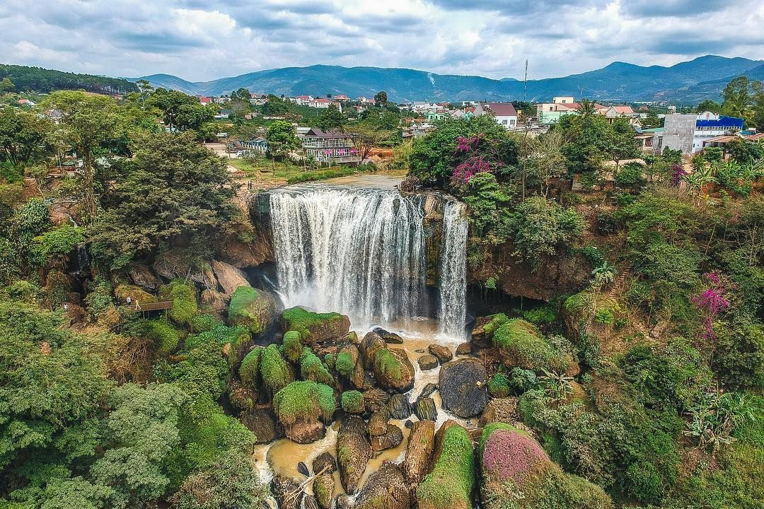Eight majestic and breathtakingly beautiful waterfalls in Lam Dong province