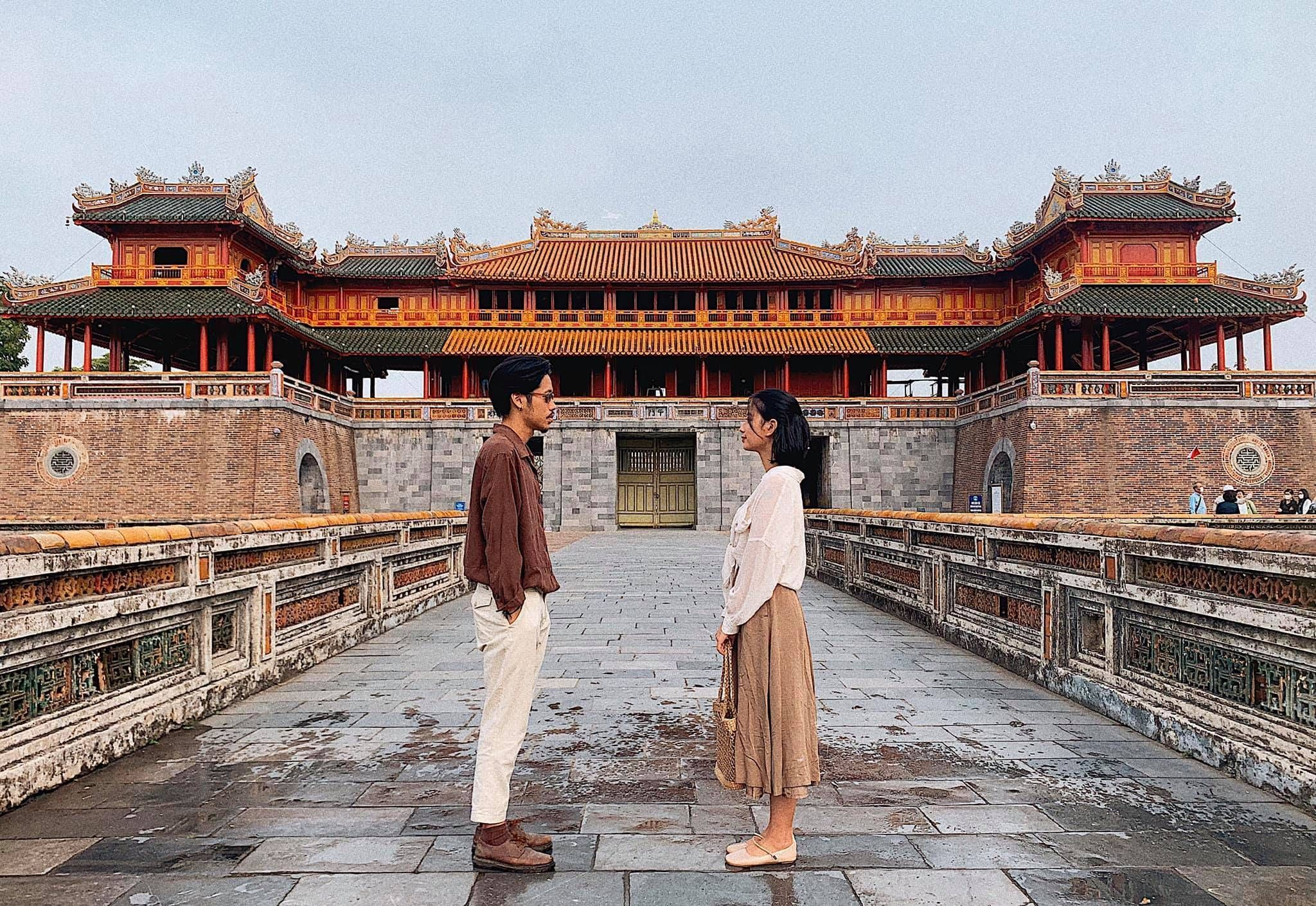 How to choose the appropriate clothing based on weather when you travel to the ancient capital of Hue