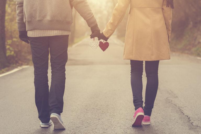 離婚後に次の恋愛を始めるまでの期間は?新しい恋に踏み出すタイミング