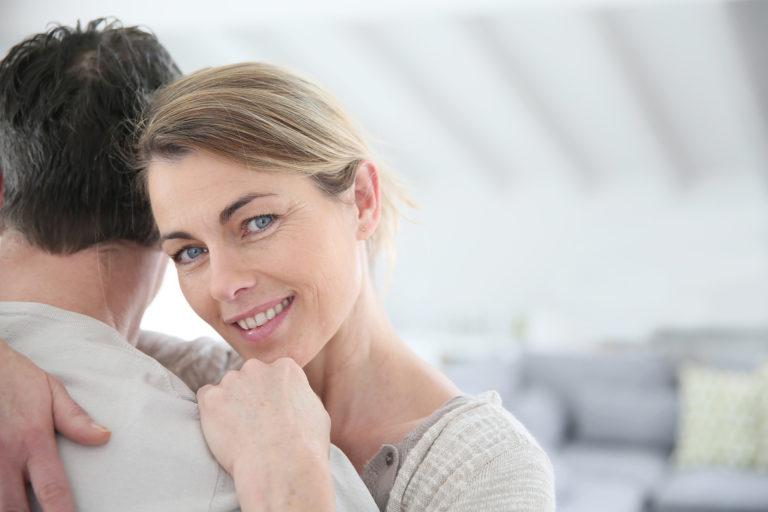 出会いを求める40・50代女性必見!出会い系でライバルに差をつける方法