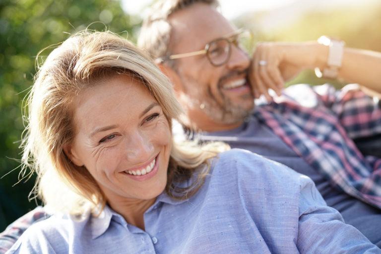 モテる50代を過ごすには?恋愛を楽しんでいる50代女性の特徴