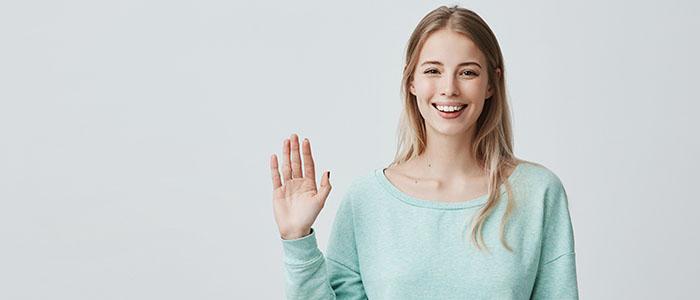 笑顔で挨拶をする - 人見知りの方の恋愛成功術