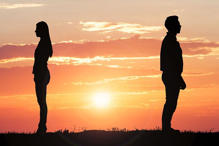 彼氏・彼女への別れ話の伝え方!恋人に別れを切り出す場所や注意点