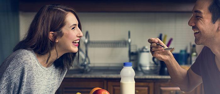 共通点を見つけて喜ぶようにしよう - デートを盛り上げる会話術