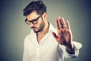 男性が見せる脈なし・恋愛対象外サインの見分け方