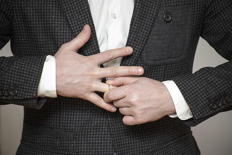 あなたの彼氏・気になる男性は大丈夫?不倫する既婚男性の特徴を紹介