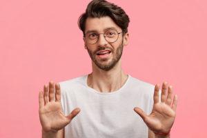 女嫌いの男性にアプローチする方法!男性の心理や距離の縮め方をご紹介