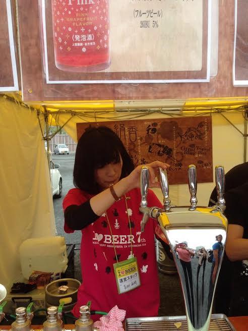 城端麦酒さんのサーバーでお手伝い【ビール女子関西部始動!】地ビールフェスタin広島 2014