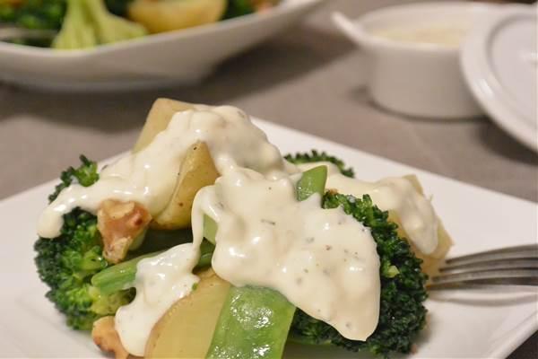 サワークリームオニオンソース 温野菜 ブロッコリー モロッコいんげん