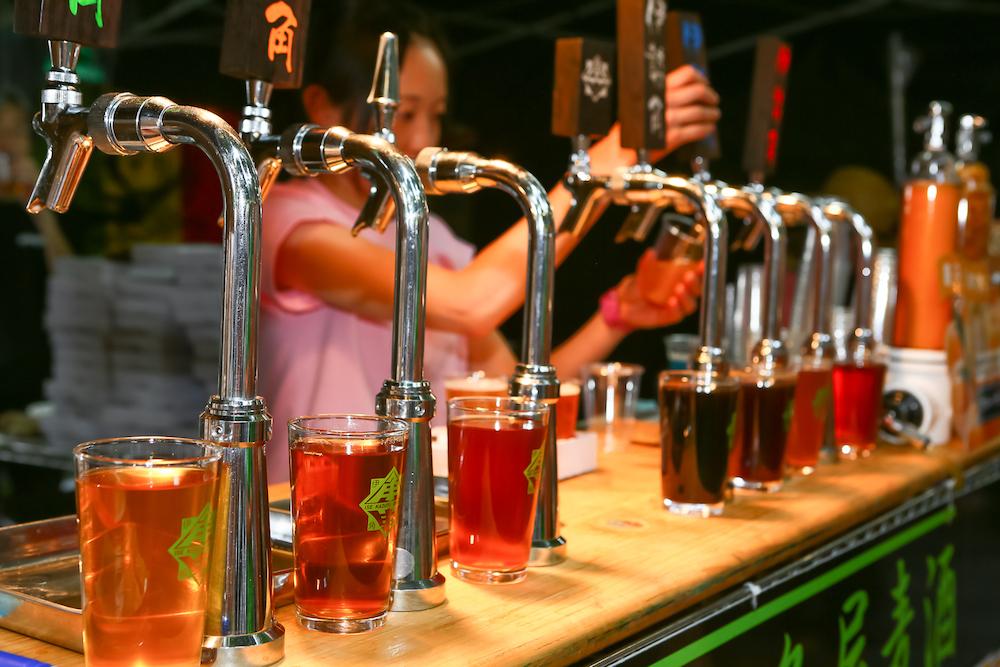けやきひろば 春のビール祭り サーバー