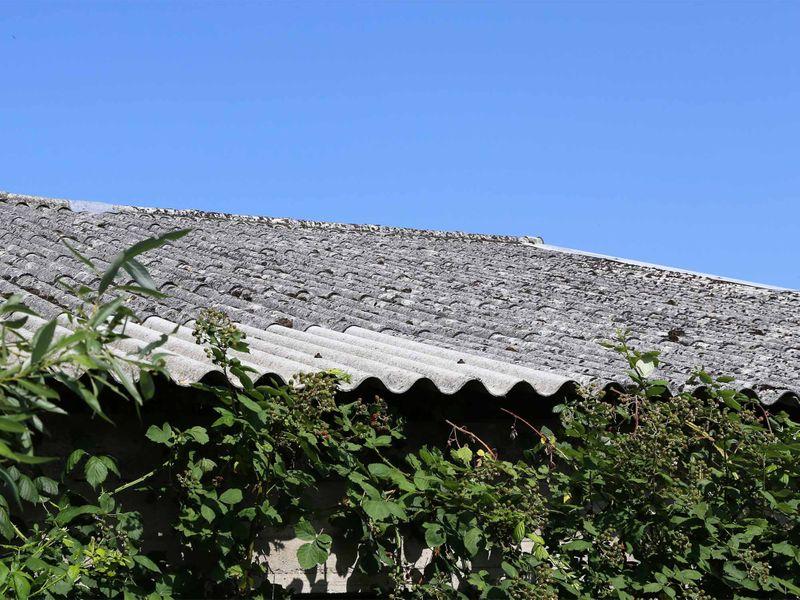 asbestos-roof_2000x1500