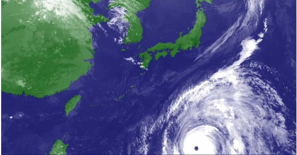 台風19号、暴風被害が「最悪」コースの可能性も。気象庁が警戒呼びかけ