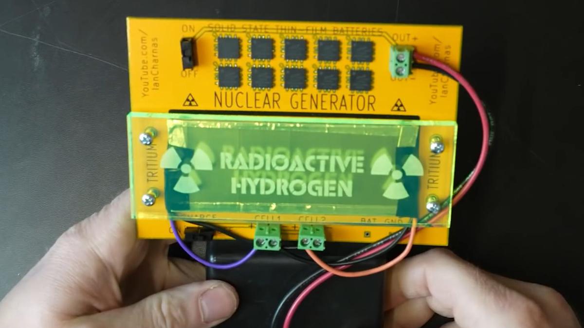 10年以上交換不要な原子力電池を自作して携帯ゲーム機に組み込んだ猛者が登場 - GIGAZINE