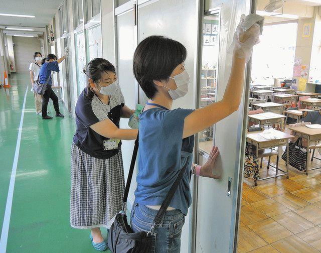 保護者が校舎消毒します 府中市立府中第五小で自主組織が初出動「教員の負担軽減に」:東京新聞 TOKYO Web