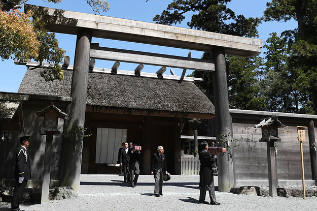 NHKが「皇室の祖先は天照大神」と報道→「現人神宣言か」と批判の声