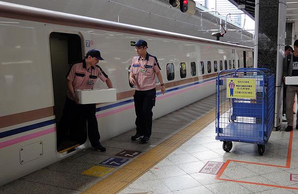240km/hの鮮魚列車、甘エビとウニを新幹線で運ぶ 輸送コストは? 車内販売は? | レスポンス(Response.jp)