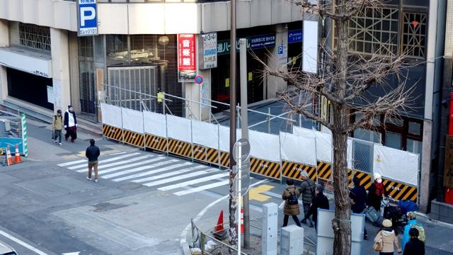 渋谷の駅前が廃道になるようすを見に行く :: デイリーポータルZ