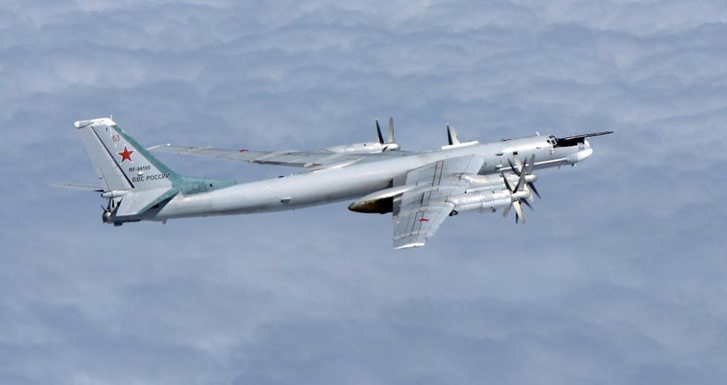 ロシア爆撃機、沖縄と八丈島で領空侵犯 - 産経ニュース