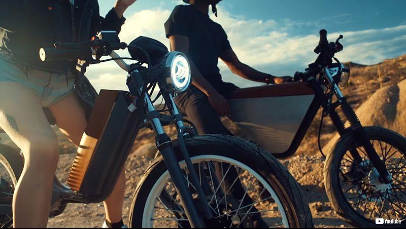 1970年代からやってきた電動バイク「ONYX」が醸し出すレトロフューチャー感がすごい (1/2) - ねとらぼ