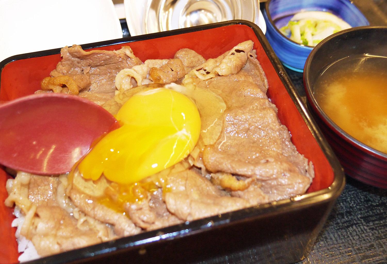1食860円 吉野家がサーロインの「すきやき重」を発売 牛肉商品で最高額 (1/2) - ITmedia ビジネスオンライン