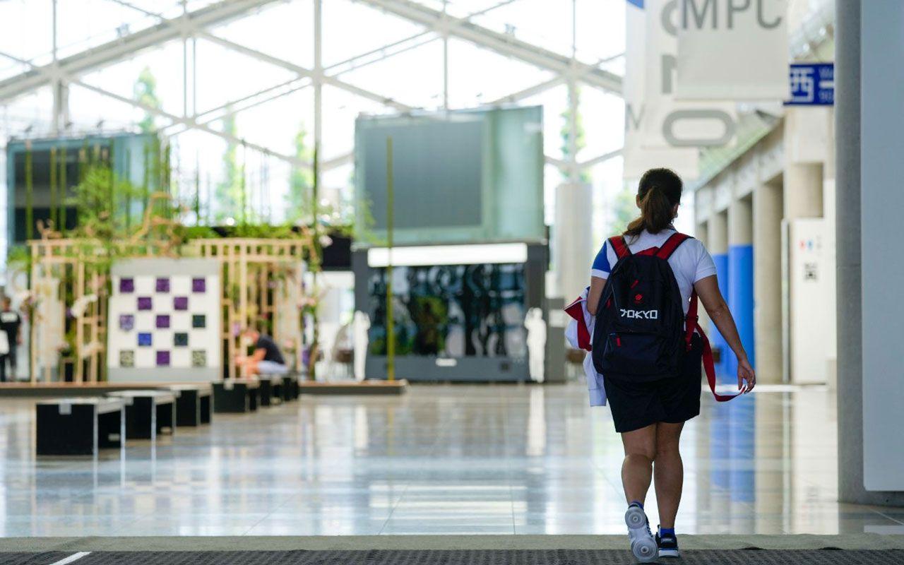 「食事は高い上においしくない」「バスは待たされる」…東京五輪取材中、ダバディ氏が率直に語った問題点 | 文春オンライン