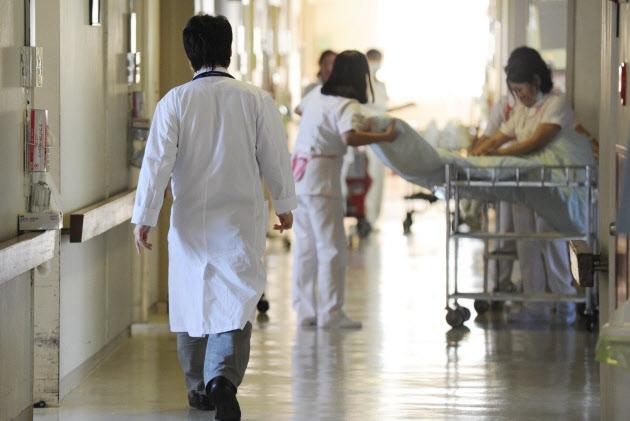 病院ベッド39道県で過剰 不要な入院招く懸念  :日本経済新聞