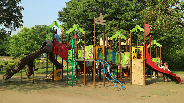 公園の遊具に遊び方の説明がないのはなぜか聞いてきた - デイリーポータルZ