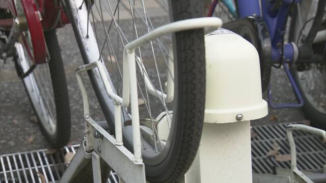 前輪ロック式駐輪場 盗難相次ぐ「自転車にも鍵を」 | NHKニュース