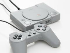 「プレイステーション クラシック」のボタン周りやメニュー画面はどうなっているのか。ファーストインプレッションをお届け - 4Gamer.net