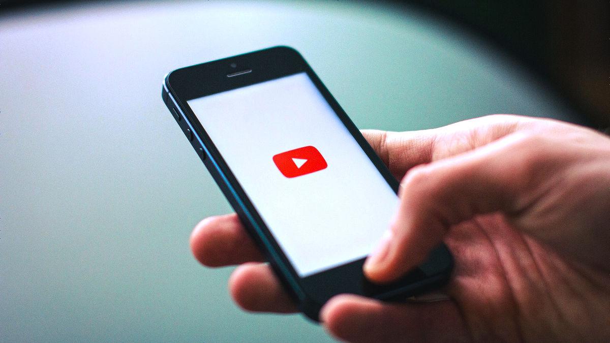 YouTubeが「動画再生に適したスマートフォン」を発表、iPhoneは含まれず - GIGAZINE